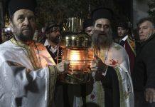 Με ...delivery το Άγιο Φως σε όλους στον Δήμο Διστόμου, Αράχοβας, Αντίκυρας!