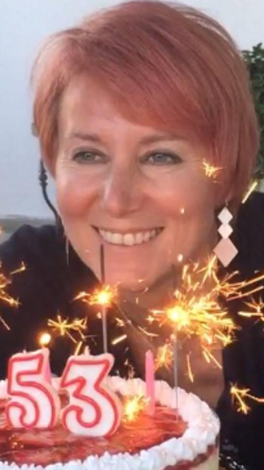 Η Νατάσα Παζαΐτη – Καραμανλή έγινε 53 ετών και το γιόρτασε