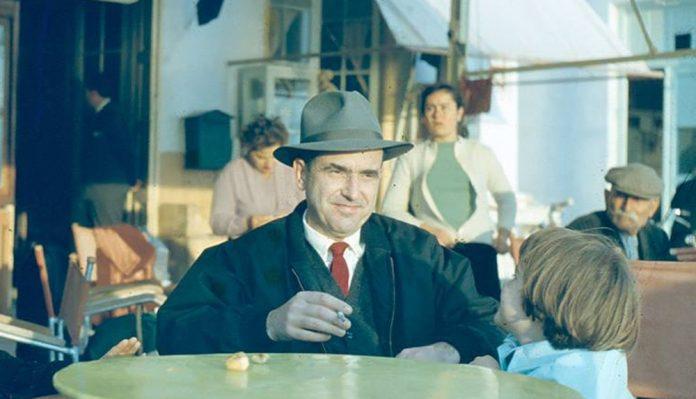 Σαν πλάνο από ταινία: Συλλεκτική φωτογραφία του Ανδρέα Παπανδρέου