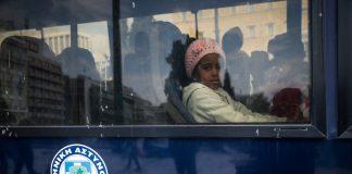 Αποχώρησαν από την πλατεία Συντάγματος οι πρόσφυγες