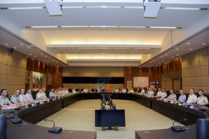 Αιφνιδιαστική παραίτηση! Ο επικεφαλής των συνομιλιών για τα ΜΟΕ με την Τουρκία, διαφώνησε με τον Αποστολάκη