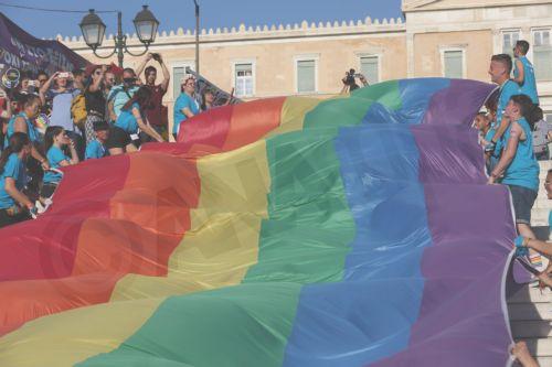 Athens Pride 2019: Σε εξέλιξη η μαζική παρέλαση - «Ο δρόμος έχει τη δική μας ιστορία»