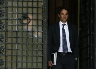 Γιατί ο Μητσοτάκης αρνήθηκε να παραλάβει τις δύο θωρακισμένες πρωθυπουργικές BMW;…