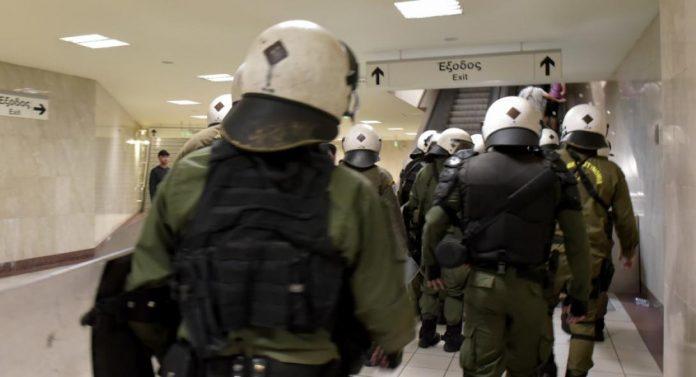 Πολυτεχνείο: Σε επιφυλακή η ΕΛ.ΑΣ. - 5.000 αστυνομικοί, ομάδα ΔΕΛΤΑ και drones πάνω από τα Εξάρχεια