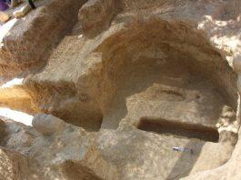 Δύο νέοι ασύλητοι τάφοι αποκαλύφθηκαν στα Αηδόνια Νεμέας