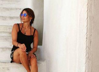 Πόπη Τσαπανίδου: Τα καλλίγραμμα πόδια της κλέβουν τις εντυπώσεις