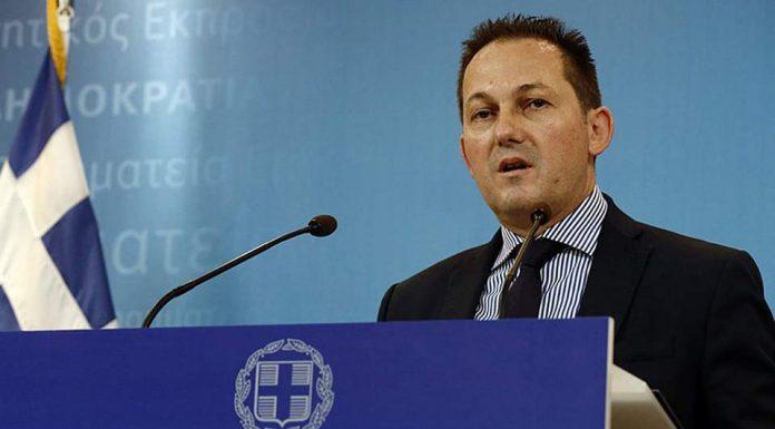 Ο Πέτσας ανακοίνωσε την παράταση των μέτρων έως τις 6 το πρωί της Δευτέρας, 14 Δεκεμβρίου