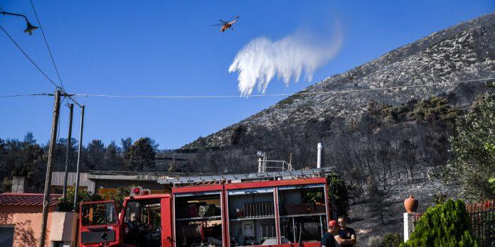 Κορινθία: Φωτιά στις Κεχριές