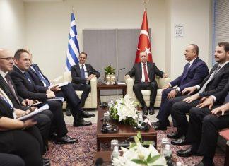 Δύο φωτογραφίες μία αλήθεια για την συνάντηση με τον Ερντογάν