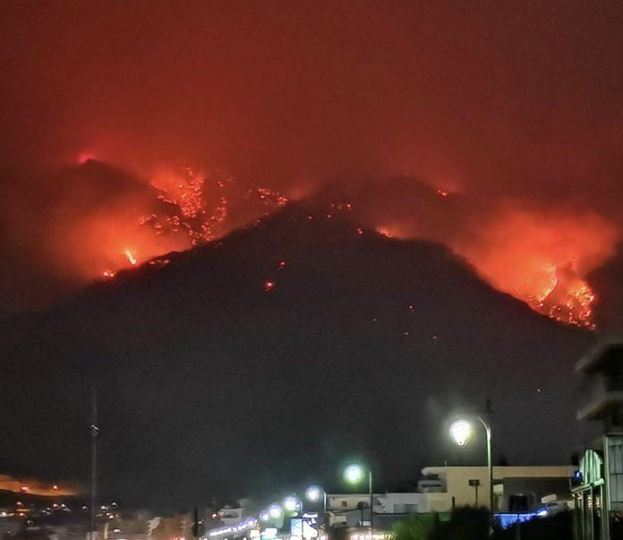 Λουτράκι: Ολονύκτια μάχη με τις φλόγες