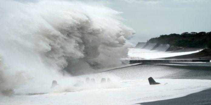 ΙΑΠΩΝΙΑ: Ο τυφώνας Χαγκίμπις «σαρώνει»