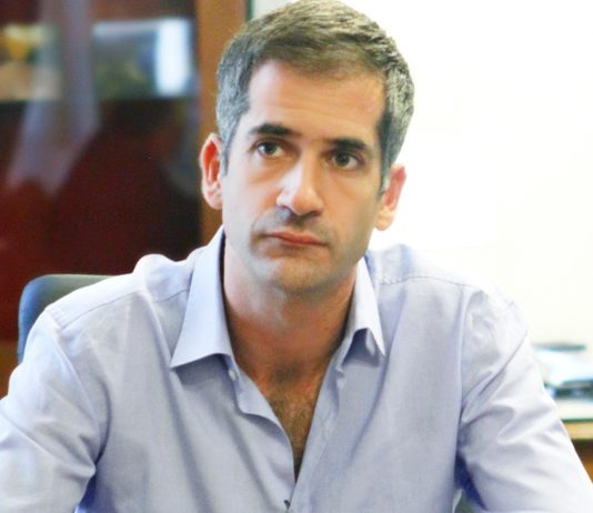 Μπακογιάννης: «Θέλουμε ανοιχτά, δημοκρατικά, δωρεάν, δημόσια σχολεία»