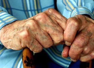 Λαμία: Ο παππούς με τη μεγαλοψυχία του έβγαλε από τη φυλακή τους ληστές του