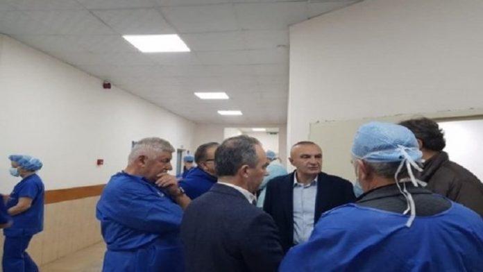 ΑΛΒΑΝΙΑ: Το νοσοκομείο Τιράνων επισκέφθηκε ο πρόεδρος της Αλβανίας