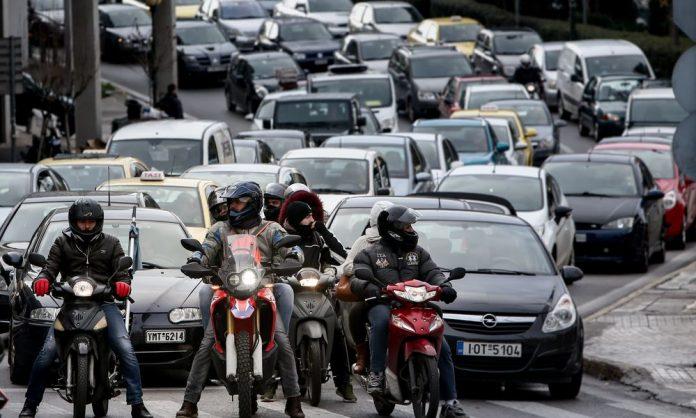 Πόσο ανεύθυνοι είναι οι Έλληνες οδηγοί;