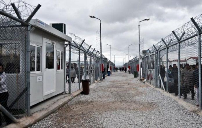 Φθιώτιδα: Οι κάτοικοι απέκλεισαν την εθνική οδό για τους μετανάστες