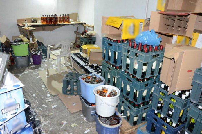 Η ΕΛ.ΑΣ. εξάρθρωσε μεγάλο κύκλωμα που εισήγαγε λαθραία αλκοολούχα ποτά