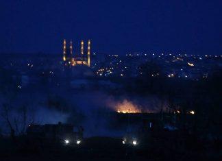 Έβρος: Νύχτα αγωνίας - Φωτιές και πετροπόλεμος