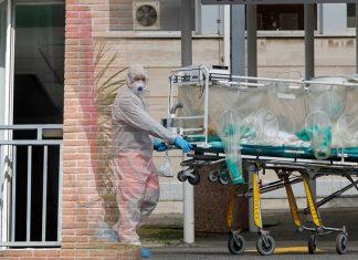 """Κορωνοϊός: """"Μαύρο ρεκόρ"""" με 41 νεκρούς και 239 διασωληνωμένους - 1.490 νέα κρούσματα"""