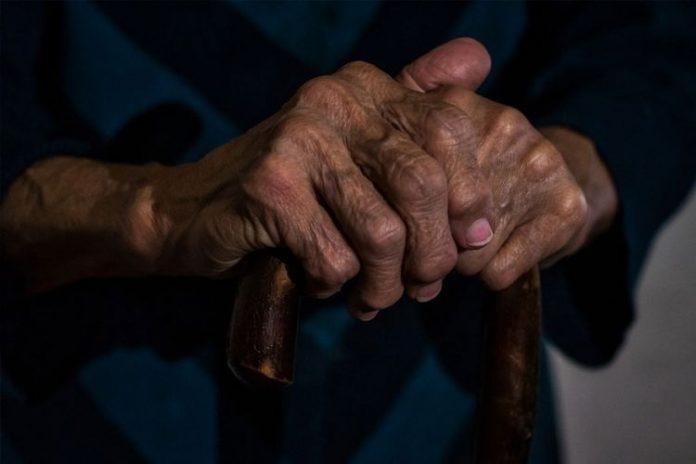 Πότε ξεκινούν οι εμβολιασμοί στα νησιά και στους πολίτες ηλικίας 85 ετών και άνω
