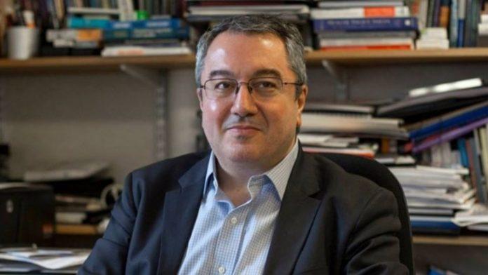 Τι είπε ο Μόσιαλος για να αποφύγουμε ένα δεύτερο κύμα πανδημίας στην Ελλάδα