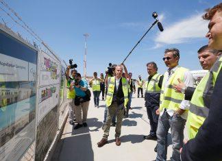 Για την αναβάθμιση του αερολιμένα της Σαντορίνης ενημερώθηκε ο Μητσοτάκης