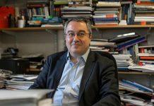 Μόσιαλος: Ανάγκη αλλαγής του τρόπου καταγραφής των κρουσμάτων κορωνοϊού