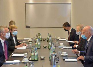 Ο Δένδιας κατήγγειλε τη συνεχιζόμενη τουρκική παραβατικότητα, στην συνάντηση του με τον Στόλτενμπεργκ