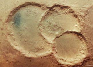 Πλανήτης Άρης: Σπάνιο εντυπωσιακό τριπλό κρατήρα φωτογράφισε το Mars Express της ESA