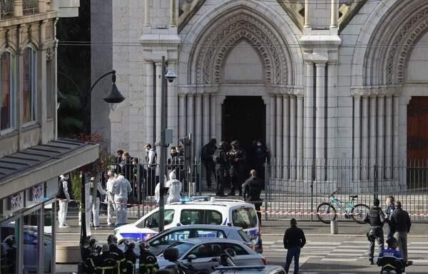 Γαλλία: Τρεις οι νεκροί, μια γυναίκα αποκεφαλίσθηκε σε εκκλησία στην Νίκαια