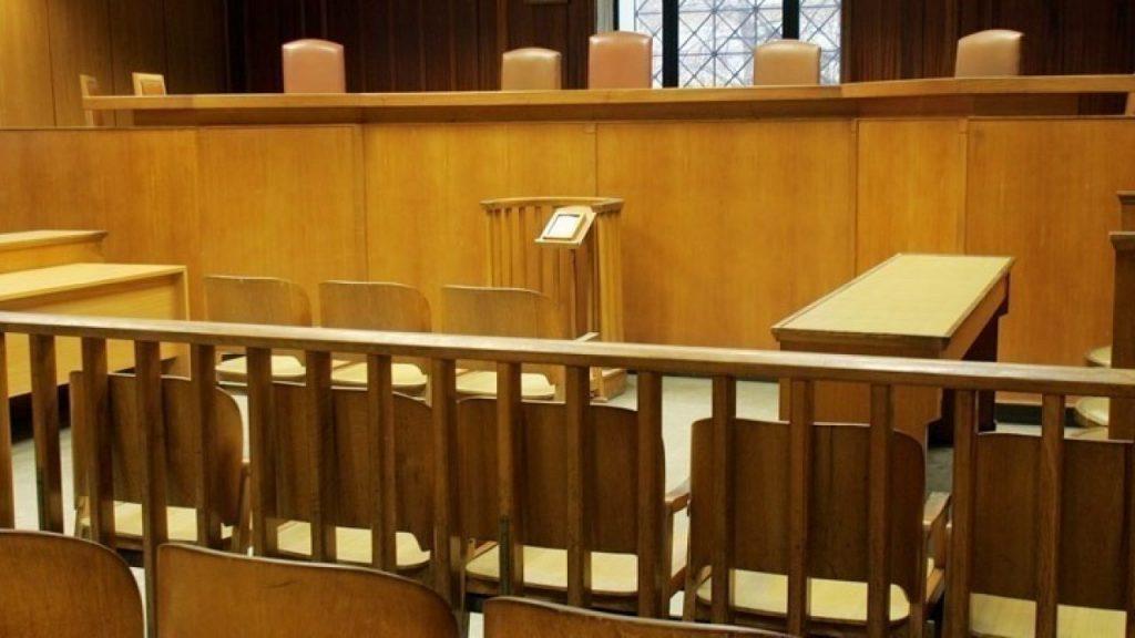 Η Ένωση Δικαστών και Εισαγγελέων εκφράζει την αντίθεσή της για την τοποθέτηση πυλών αυτόματης απολύμανσης Covid-19 στα δικαστήρια