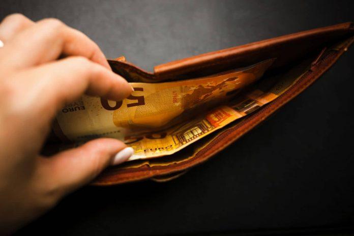 Επίδομα 534 ευρώ: Ποιοι πρέπει να υποβάλουν δήλωση έως την Παρασκευή