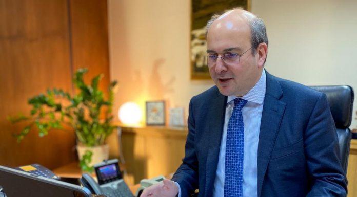 Σύνταξη δημοσίου: Ο Χατζηδάκης άφησε ανοιχτό το ενδεχόμενο επανεξέτασης του ποσοστού της προσωρινής σύνταξης