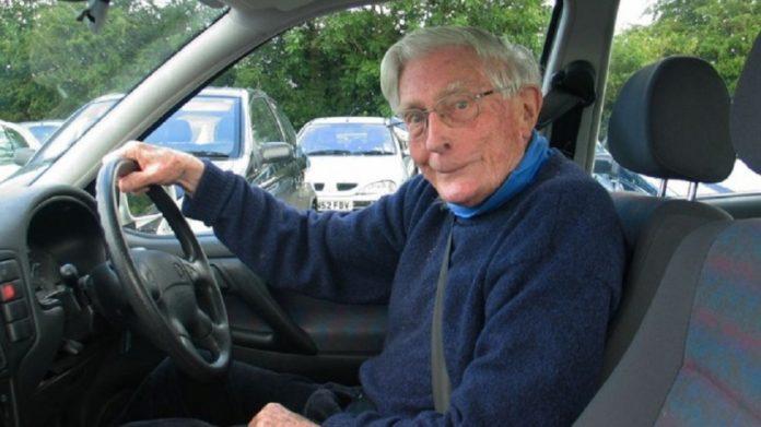 Πέθανε ο σπουδαίος αρχαιολόγος και ακαδημαϊκός, Σινκλέρ Χουντ