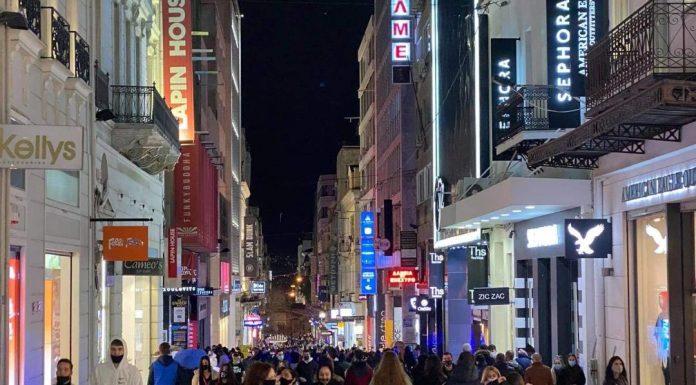 Σταμπουλίδης για συνωστισμό στους εμπορικούς δρόμους: Θα είναι καταστροφικό για όλους τρίτο αυστηρό lockdown