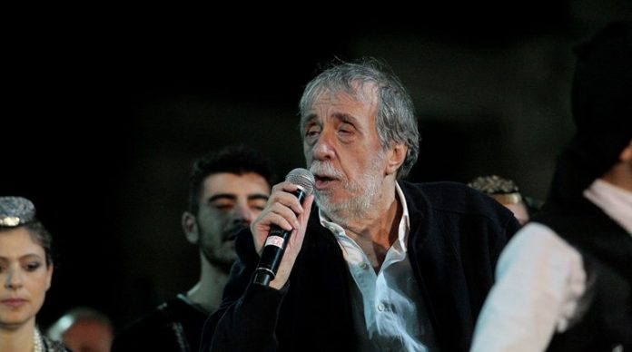 Πέθανε ο σπουδαίος τραγουδιστής Αντώνης Καλογιάννης