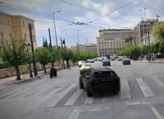 Τροχαίο στη Βουλή: Βρέθηκε ο οδηγός ταξί που αποτελεί μάρτυρα - κλειδί