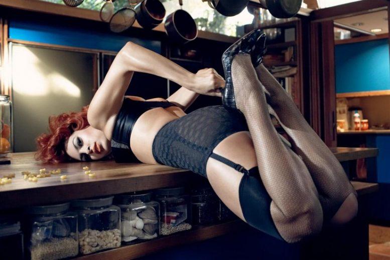 """Η Eva Mendes """"ανάβει"""" φωτιές ακόμη και στα 47 της"""