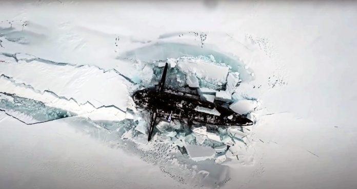 Αρκτική: Πυρηνικά ρωσικά υποβρύχια αναδύονται από τους πάγους σε θεαματικό βίντεο
